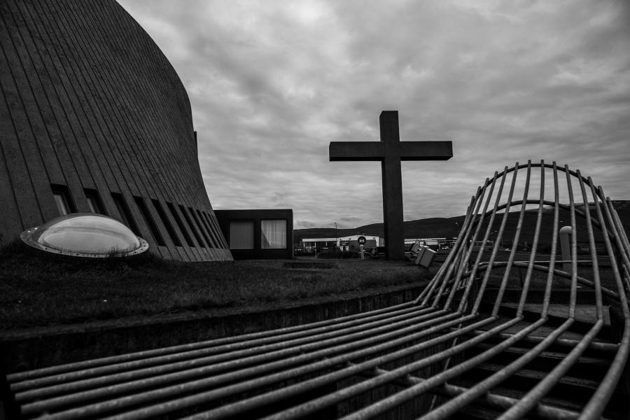 周笔畅摄影作品 2016年9月 现代感强的教堂.jpg